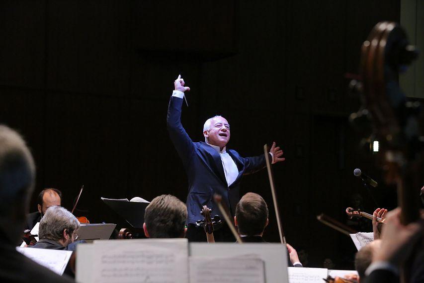 Владимир Спиваков: «Благодаря музыке мы можем говорить без слов»